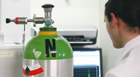 SPECTRA-SEAL® calibration gas mixtures provide flat-line stability and extended shelf life.